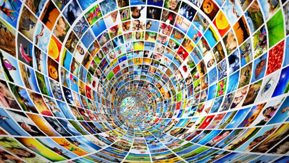 Zenith: in Italia il mobile guida l'aumento del tempo speso su internet
